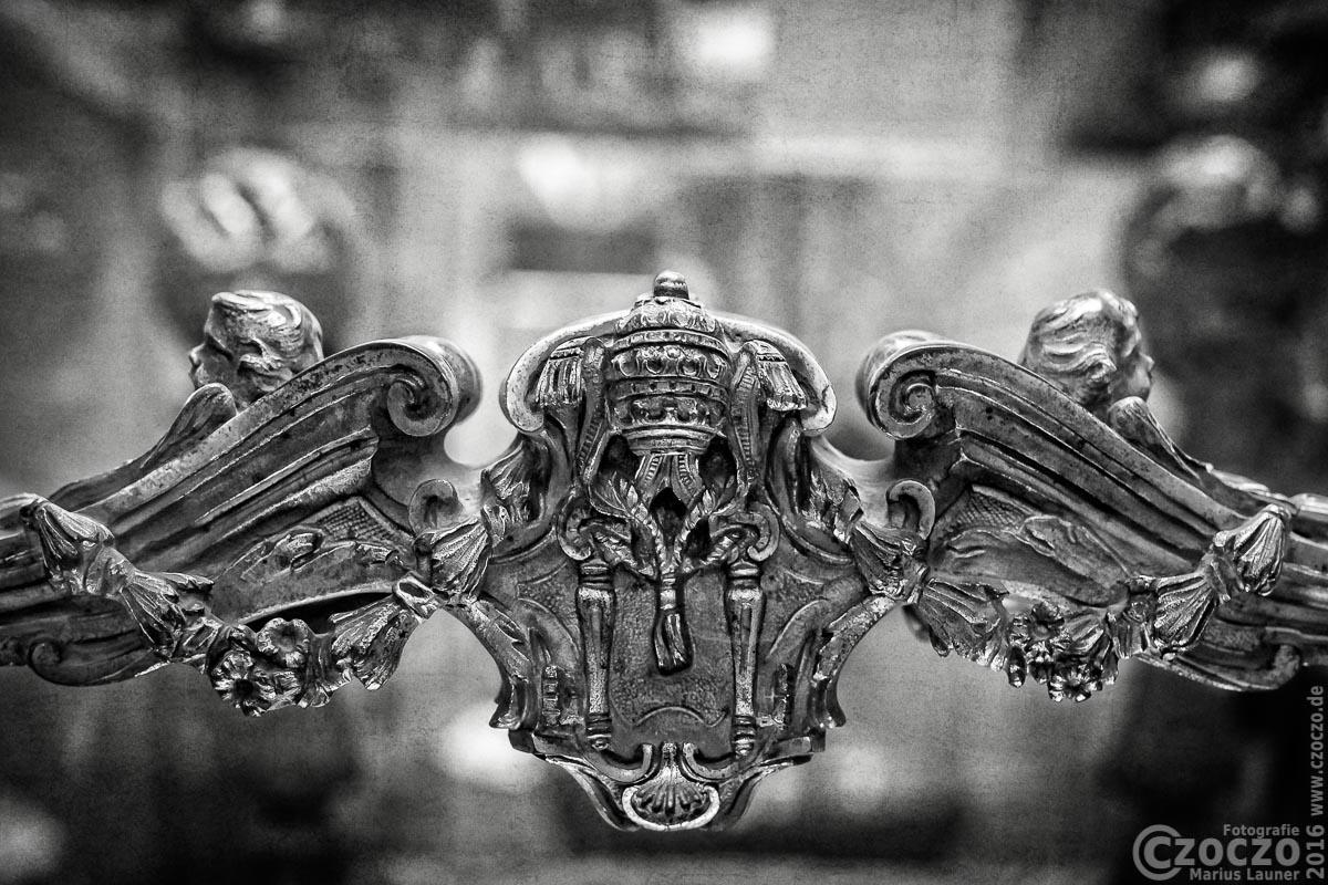 IMG_4772-Papstliche Detail